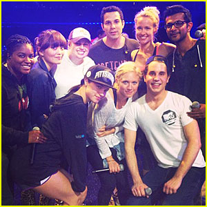 File:Rebel-wilson-mtv-movie-awards-2013-rehearsal-with-pitch-perfect-cast.jpg