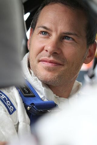 File:400px-Jacques Villeneuve at Mont-Tremblant 2010 01.jpg