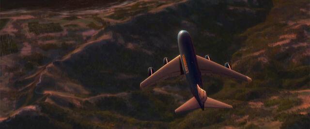 File:Everett flying.jpg