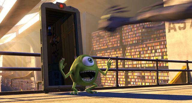 File:Nemo-Trailer door-Monsters-Inc.jpg