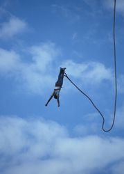 File:Bungee-jumping-in-africa.jpg