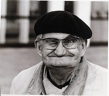 Datei:Old-man-winking1.jpg