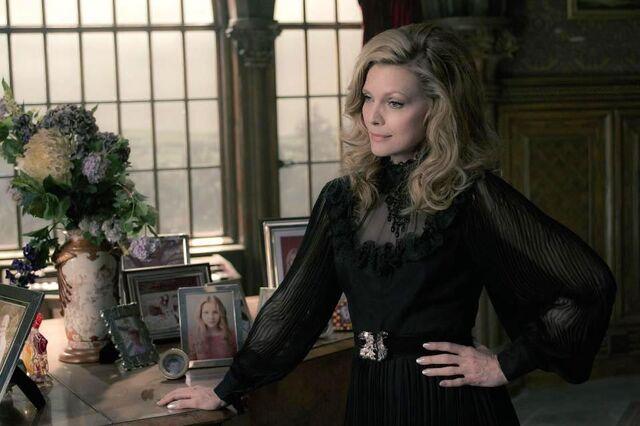File:Michelle Pfeiffer.jpg