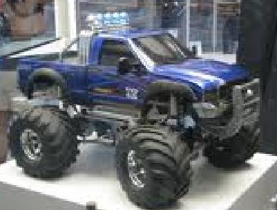 File:Wheelie monster truck.png