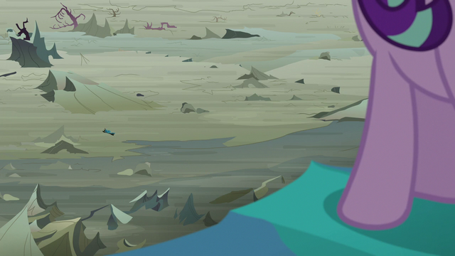File:Queen Chrysalis' second defeat.png