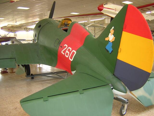 File:Polikarpov I-16-Mosca.jpg