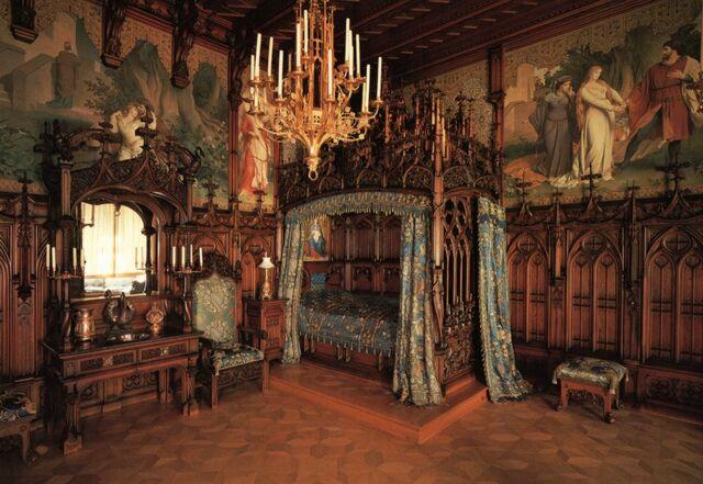File:Munich 115D.JPG5 - Bedroom.jpg