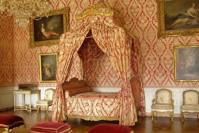 File:VersaillesRedWhiteBedroom.jpg