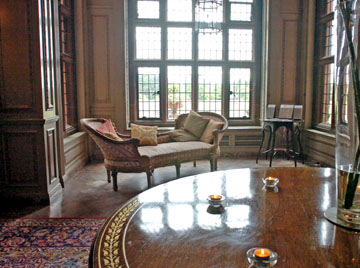 File:Image-2-for-gallery-lord-leverhulme-s-open-air-bedroom-at-thornton-manor-595286000.jpg