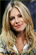 Sienna-miller-rise-of-the-press-conference-021