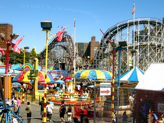 File:Amusement-park.jpg