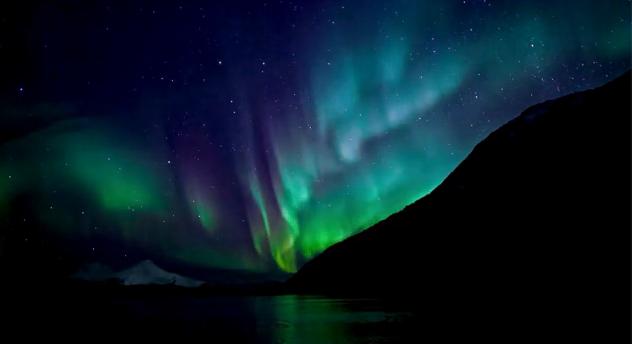 File:Aurora-borealis.png