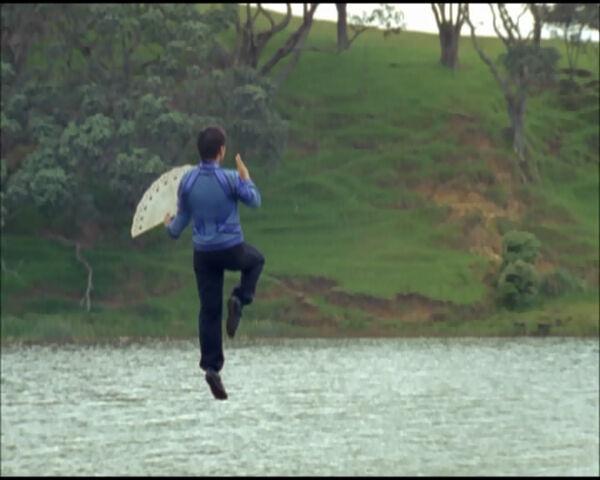 File:Theo Flying.jpg