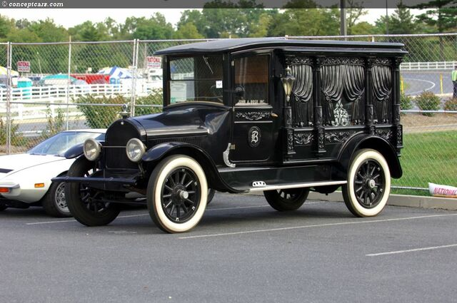 File:1919 Sayers and Scoville Hearse.jpg