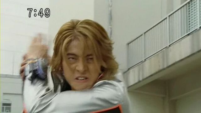 File:SentaiTransformationsbatchB037.jpg