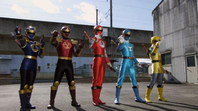 File:Super Mega Rangers as Wind and Thunder Rangers.jpg