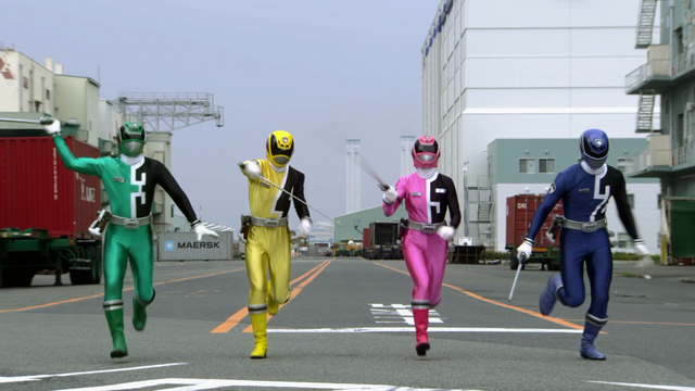 File:The Flying Ghost Ship - Dekaranger.png