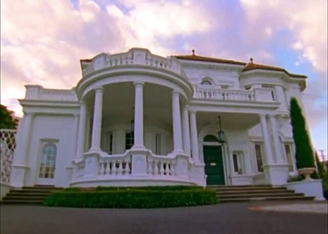 File:Hartford Mansion.jpg