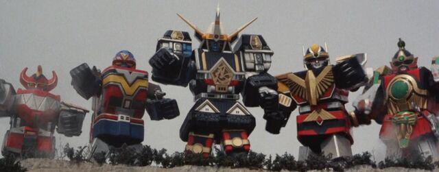 File:Super Sentai World - 5 Mechas.JPG