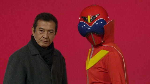 File:199 Hero Great Battle - Akarenger.jpg