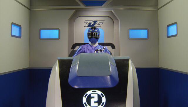 File:ToQ2Gou Blue Ressha Cockpit.jpg