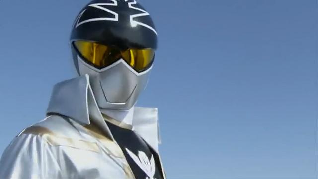 File:199 Hero Great Battle - Gokai Silver.png