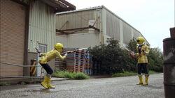 Gokai Yellow vs Gokai Yellow