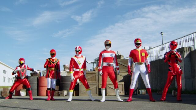 File:Go-Busters vs. Gokaiger - All-Red.jpg