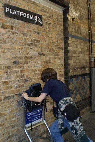 File:Hogwartsbrb.jpg