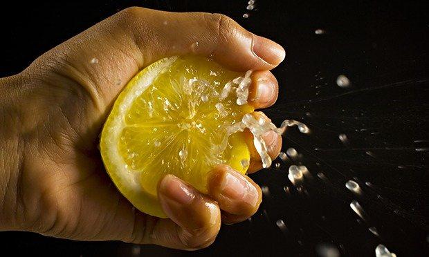 File:Squeezing-a-lemon.jpg