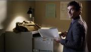 4x18 Ezra steals file