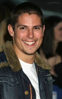 Sean-faris-at-stop-loss-premiere-1190904