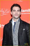 Ian-harding-brant-daugherty-pll-finale-event-05