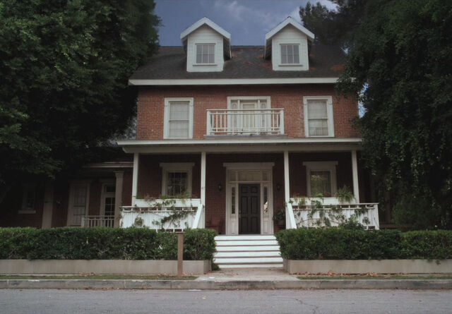 File:Toby and Jenna's house.jpg