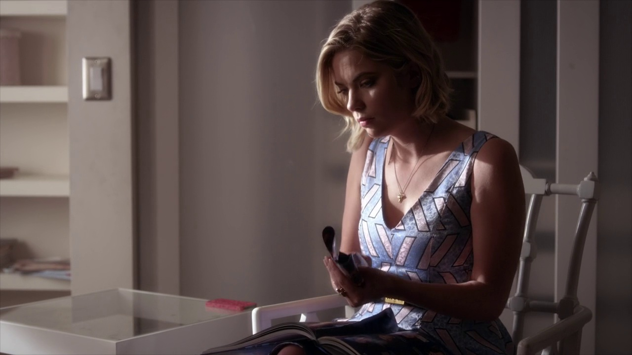 Pretty little liars quot recap 6 01 escape from the dollhouse page 7 - Songs Of Experience Pretty Little Liars Wiki Fandom Powered By Wikia