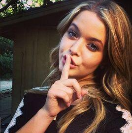 Sasha-pieterse-shh-selfie