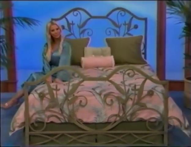 File:Gabrielle Tuite in Satin Sleepwear 05-02-2008 Pic-4.jpg