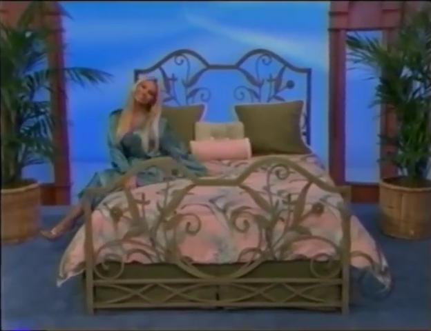 File:Gabrielle Tuite in Satin Sleepwear 05-02-2008 Pic-17.jpg