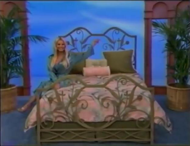 File:Gabrielle Tuite in Satin Sleepwear 05-02-2008 Pic-24.jpg