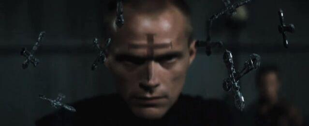 File:Priest trailer 44.jpg