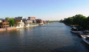 River-thames-ca2