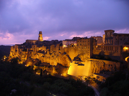 Pitigliano (GR) by night