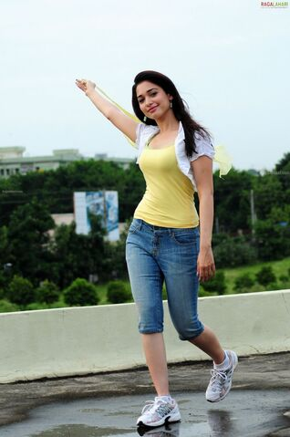 File:Tamanna beautiful jeans (2).jpg