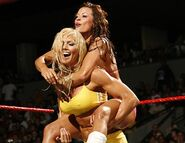 Raw 14-8-2006 16
