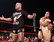 November 28, 2005 Raw.16