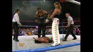 April 25, 1994 Monday Night RAW.00010