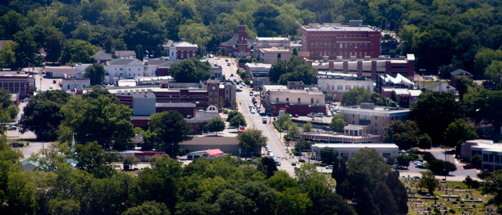 Historically, Carrollton has been a commercial center for several mostly rural counties in both Georgia and Alabama. It is the home of the University of West Georgia and West Georgia Technical College.