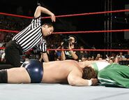 Raw 14-8-2006 28