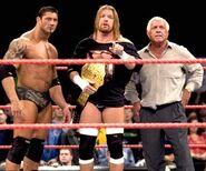 Raw 22-Nov-04.2