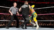 October 5, 2015 Monday Night RAW.31